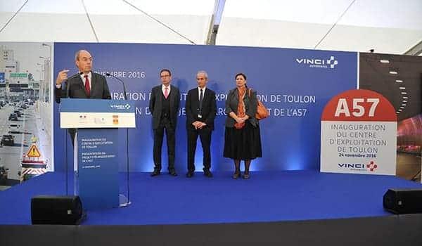 Pierre Coppey, Président de VINCI Autoroutes à la tribune lors de l'inauguration officielle du CET.